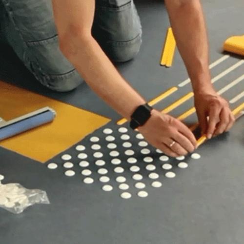 Tapintható padlójel - expressz sablon